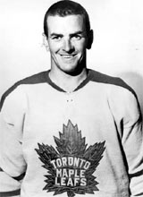 da499a7e022 Former Maple Leaf captain Dave Keon is shown in this undated file photo. (CP